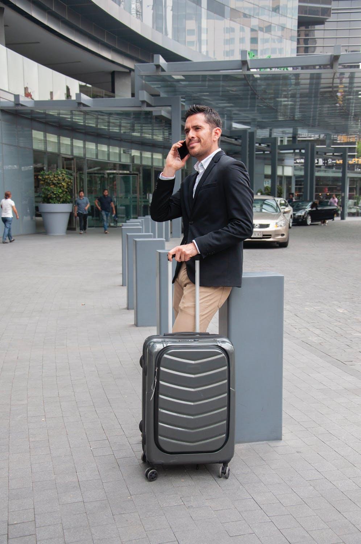 Podróże pociągiem a walizki